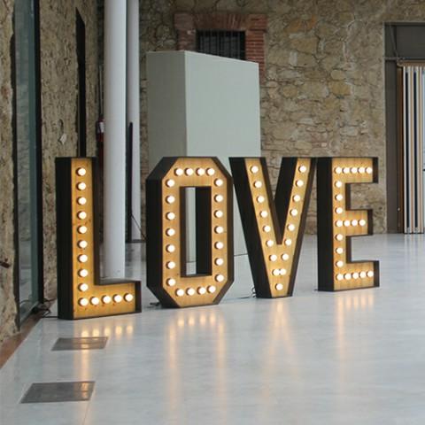 Alquiler love negro iluminado